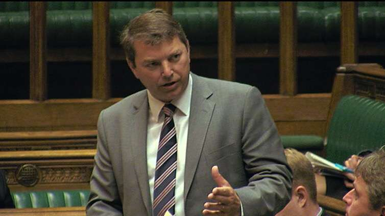 Dartford MP Gareth Johnson teams up with the Stolen and Missing Pets Alliance for Dog Theft Awareness Day